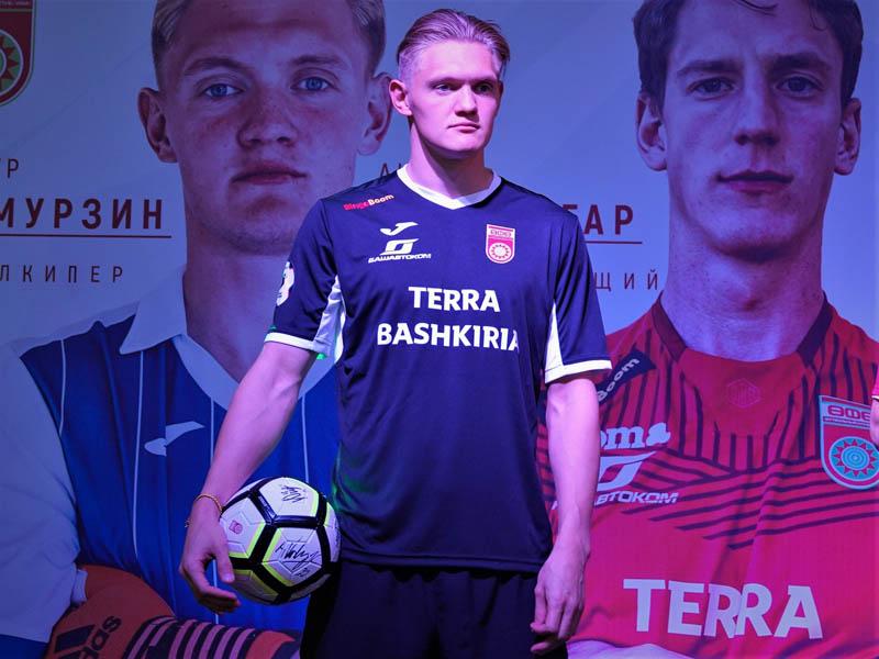 Вратарь ФК «Уфа» Тимур Акмурзин: надо выходить на  поле и показывать игру