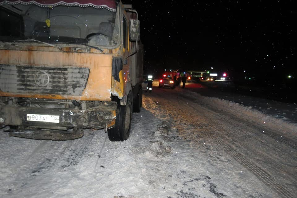 «Картина жуткая»: в Башкирии иномарка влетела под грузовик